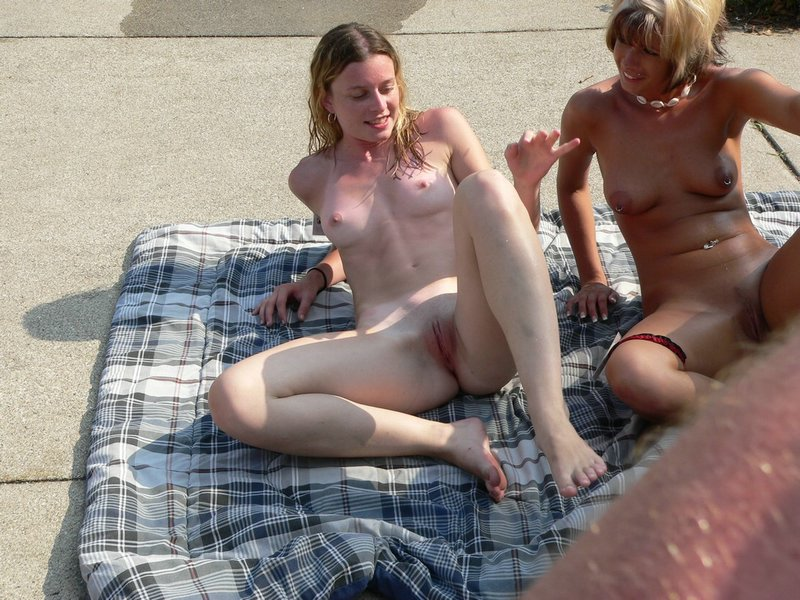 Couple of babes at the beach on a sunny day spread legs nice view