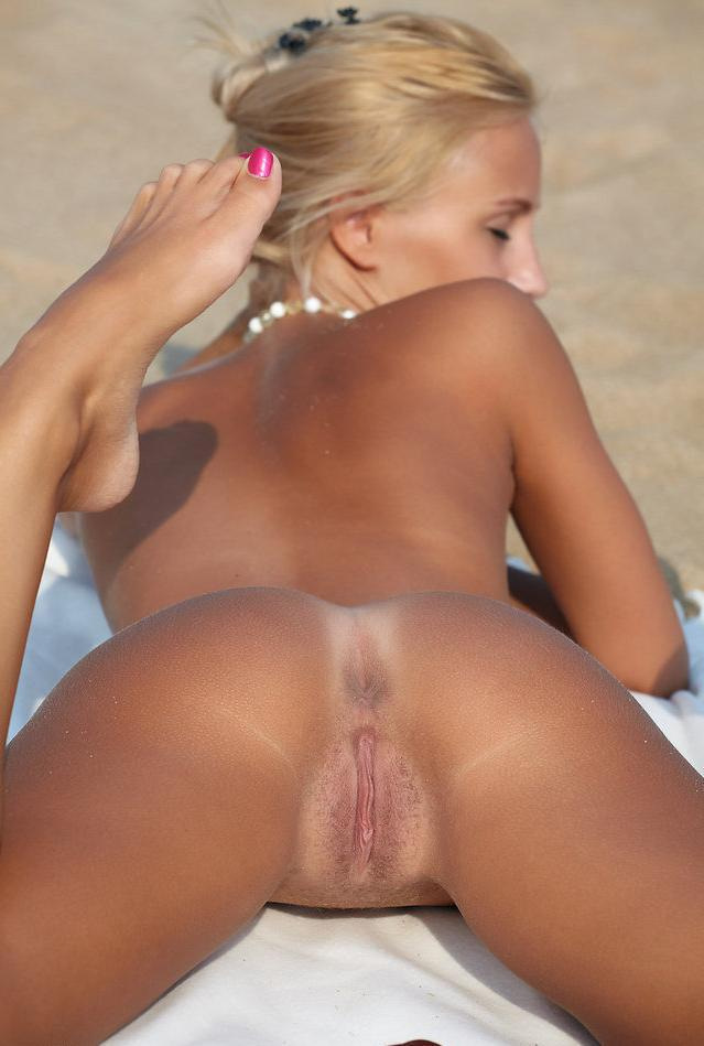 Nude beach hotties assured