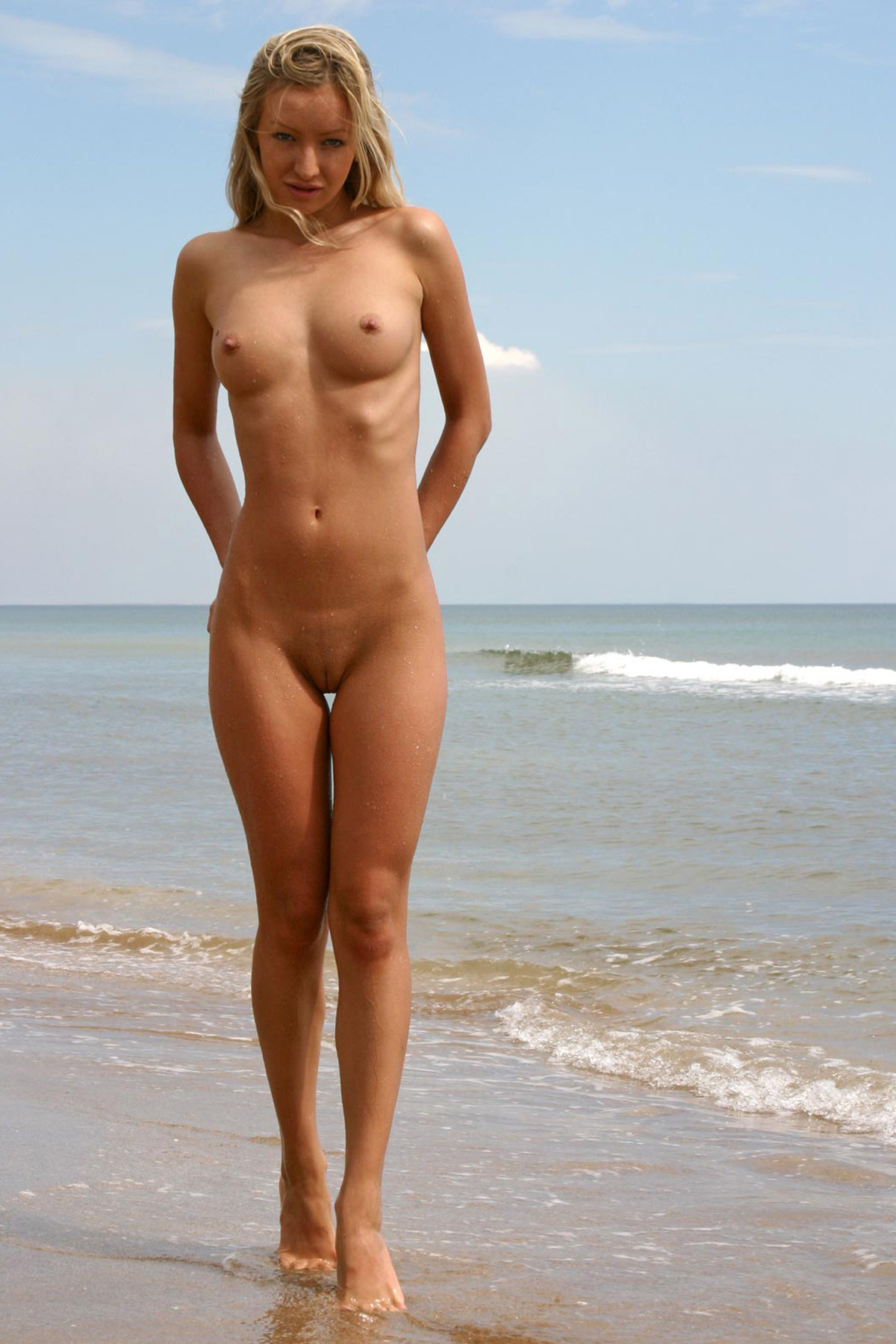 Sexy Female Teen Nudists