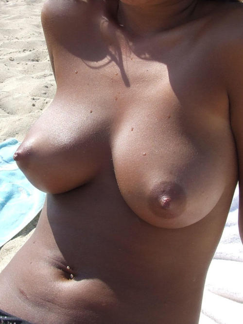 She has awesome boobs to expose