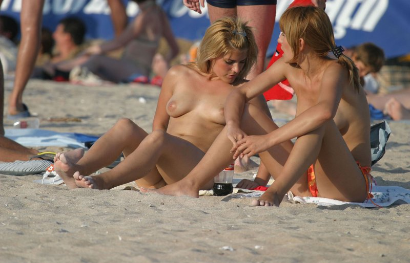 Four Amazing Beauties on the Beach - Free Porn Videos